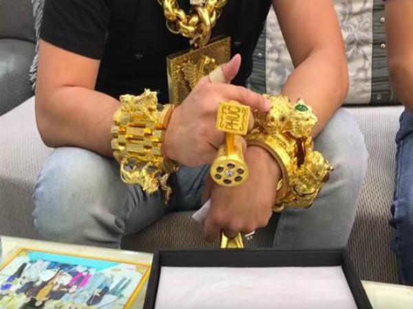 Nằm mơ thấy nghi ngờ vàng giả có ý nghĩa gì đặc biệt?