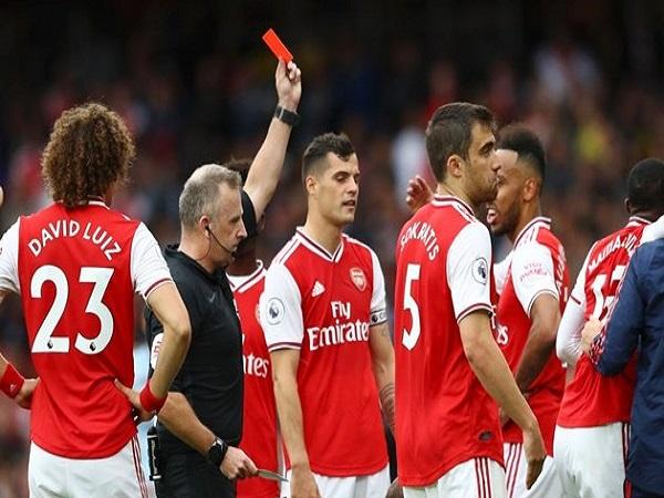 Arsenal khó lòng mơ bay cao hơn với điểm yếu chết người