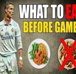 Nên ăn gì trước khi đá bóng