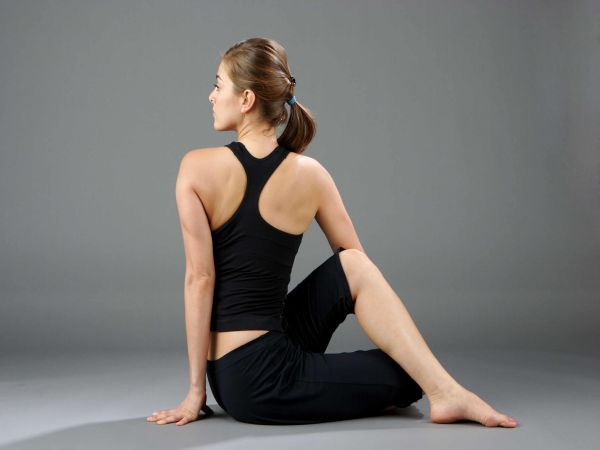 Những bài tập Yoga cực hiệu quả cho dân văn phòng