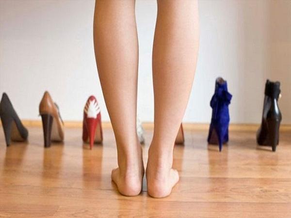 Phụ nữ chân to